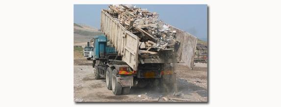 Собственици на земи се оплакват от строителни отпадъци