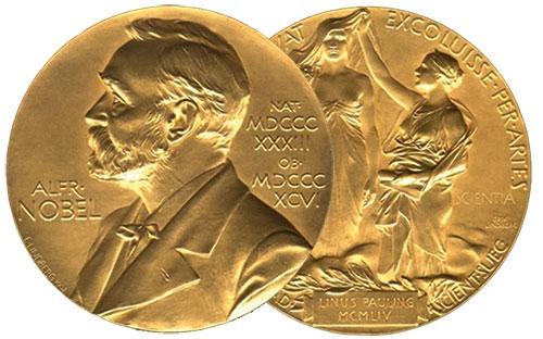 Нобелист продава медала си