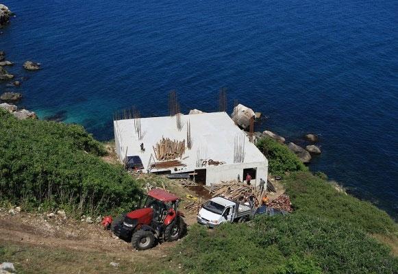 Доброволното премахване на незаконния строеж в Яйлата трябва да стане до края на юли