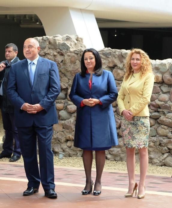 Министри рязаха ленти на Ларгото