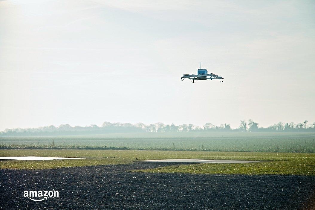 Най-големият онлайн търговец в света с първа успешна доставка чрез дрон