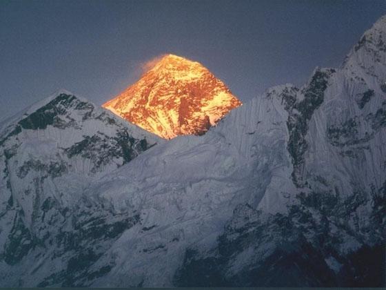 Китай ще строи курорт на Еверест