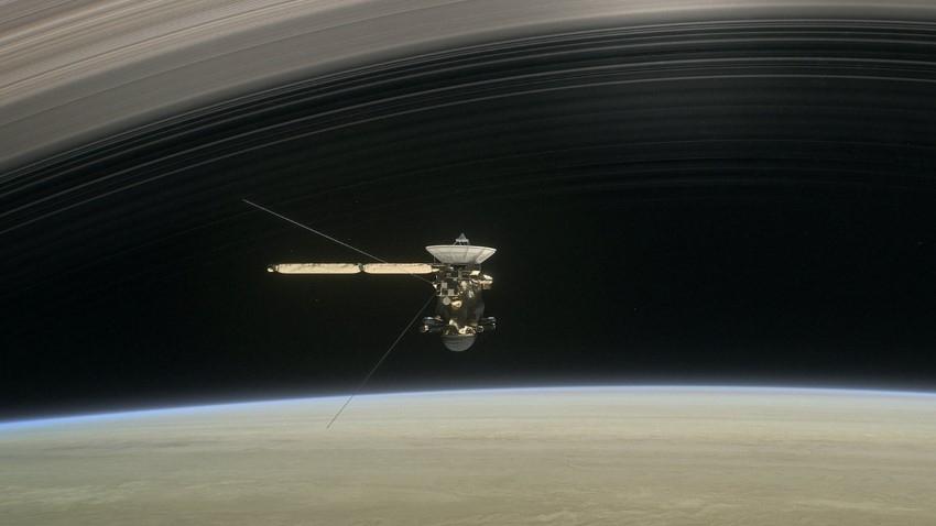 """НАСА се подготвя за големия финал на """"Касини"""""""