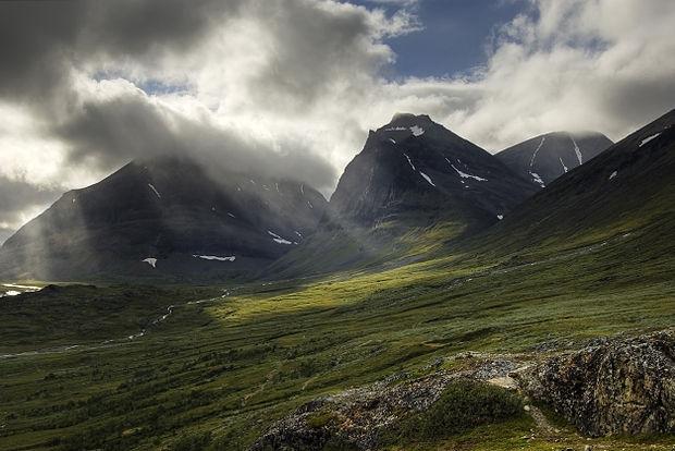 Най-високият връх в Швеция си възвърна повече от метър