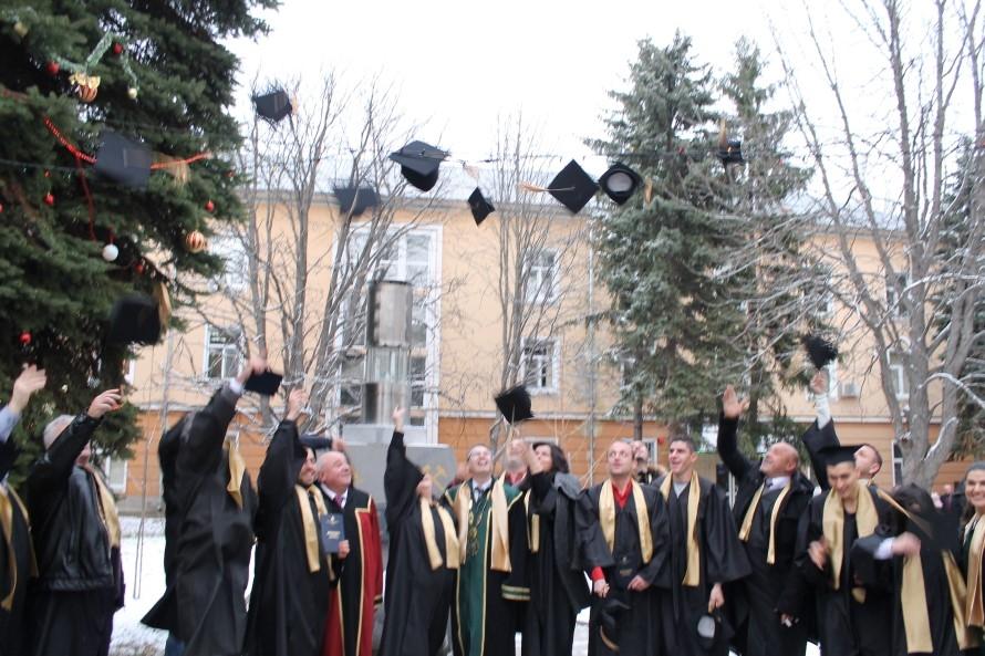 """Връчване на дипломите на специалност """"Маркшайдерство и геодезия"""" към МГУ"""