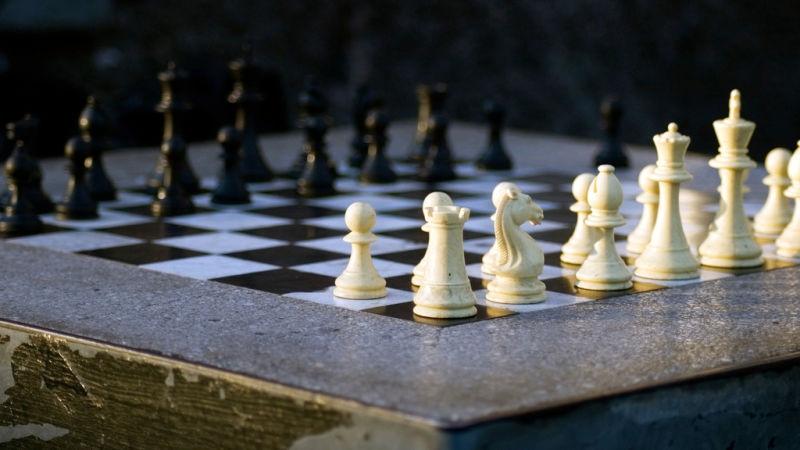 Изкуствен интелект стана най-добрия шахматист след четири часа самообучение