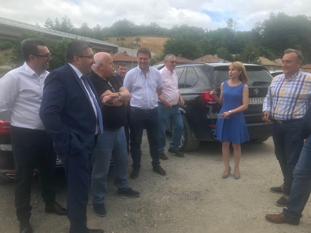 """Регионалният министър: В следващите 2 месеца обявяваме обществени поръчки за 137 км от АМ """"Хемус"""""""