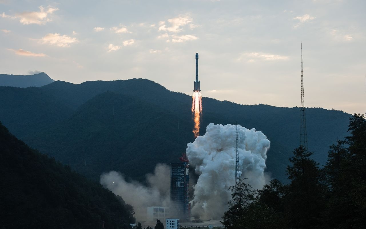 Изстреляха двойка спътници от китайската навигационна система BeiDou