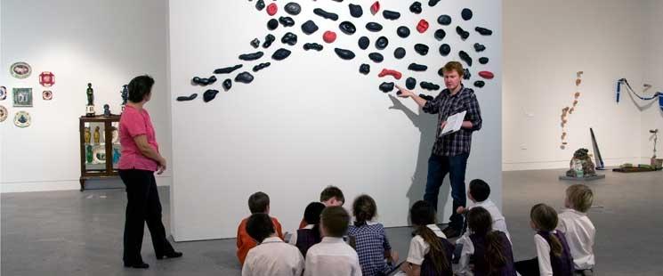 Учебни часове вече ще се провеждат и в музеи и галерии