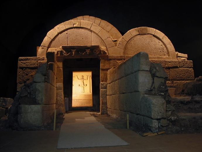 Реставрират тракийската гробница до Свещари