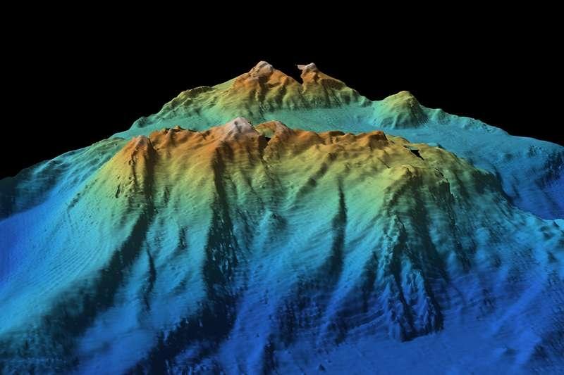 Приложение на космическа геодезия за картографиране на океанското дъно