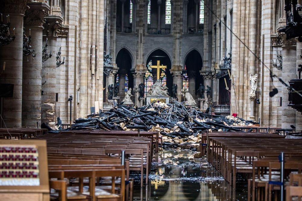 Тестват парижани за олово в кръвта след пожара в Нотр Дам