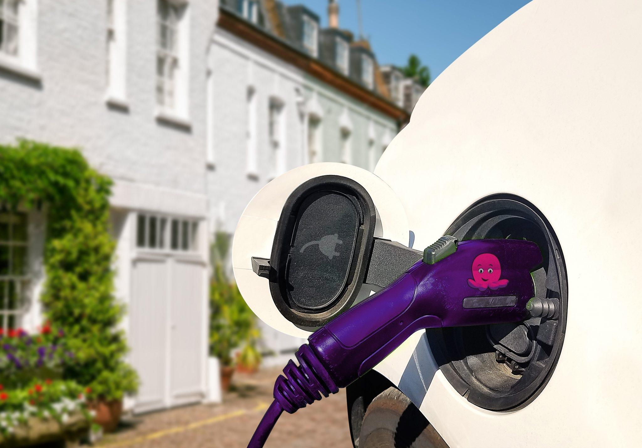 Революцията V2G или как да караме коли, без да плащаме за гориво