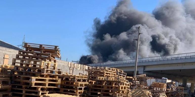 Проверяват горелия мост на АМ Струма днес
