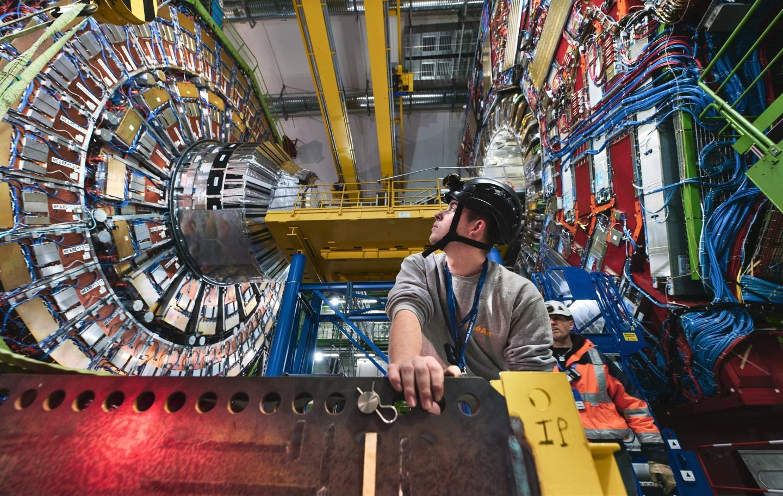 Учените от ЦЕРН искат 100-километров колайдер за милиарди