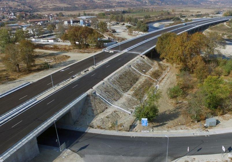 Изграждат шумаизолиращи стени на АМ Струма