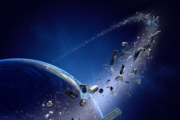 Откриха как да следят космическия боклук и денем
