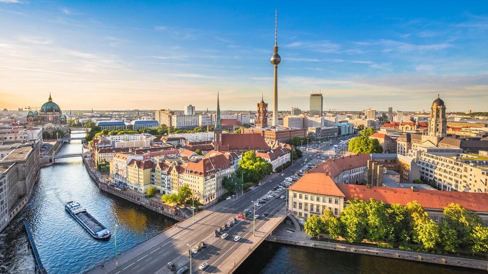 Строят джамия, църква и синагога под един покрив в Берлин