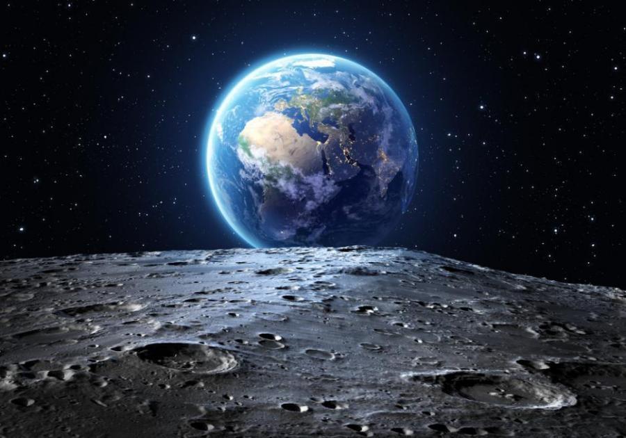 Мъск иска да ходи на Луната до 2024 г.